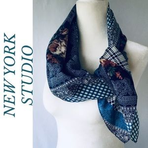 NEW YORK STUDIO VINTAGE SILK SCARF FLOWER MOTIFS